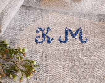 B 852:  antique handloomed PALE NATURAL monogramm french lin, 리넨,  grain sack for pillows cushions runners 45.67 long
