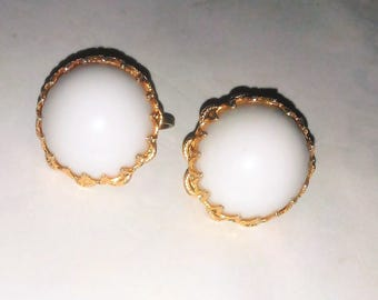White Plastic or Luctie Clip On Earrings, Round Gold Tone