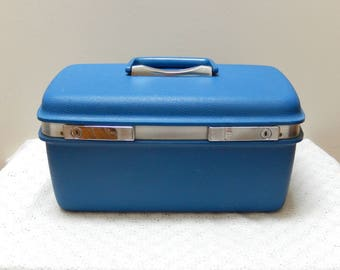 vintage Samsonite train case/blue/Saturn/cosmetic case/weekend case/travel case/carry on/vintage luggage
