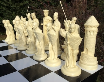 "15"" king.Giant Medieval Chess Set.  Ebony & Ivory look."