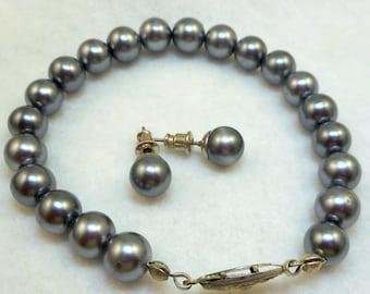 Gray Pearl Bracelet Earrings Set