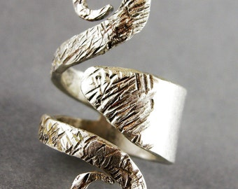 RING, STERLING FORK Ring, Handmade, Will Size from 7 to 8, Indicate the Size, Hammered Texture Satin Polished .