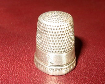 1898 Priscilla Simons Sterling Silver Thimble Size 9 Hand Sewing Quilting