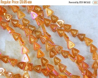 SALE 32 Pressed Glass Triangle Beads Amber Gold Magenta AB 12mm (C457)