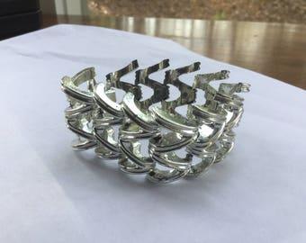 Vintage Chunky Silver Tone Modernist Link Bracelet