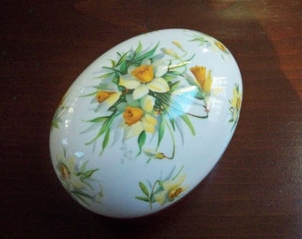 Vintage Collectible China Daffodil Easter Egg Made in England