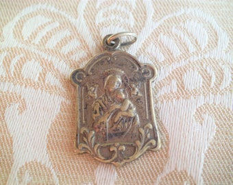 OLD Vintage Antique  Religious Our Lady Of Perpetual Help & Sacred Heart Scapular Medal