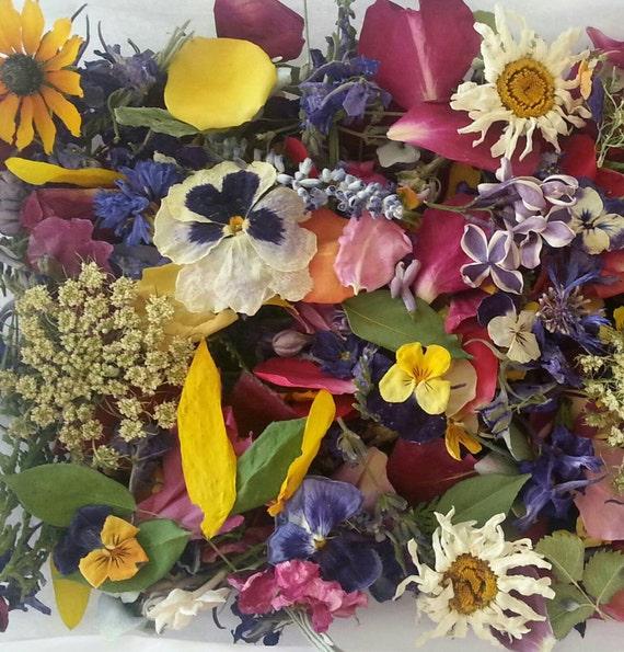 Wedding Confetti, Dry Flowers, Wedding Decorations, Bulk Flowers, Aisle Decoration, Confetti, Dried Leaves, Dry Petals, 30 cups of Confetti