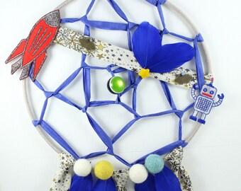 Design dreamcatcher, robot, rocket, blue feathers, paper, cloud, yellow, wall decoration, star, children, boy, bedroom