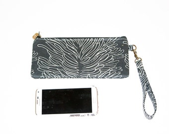 FREE domestic shipping -  Wristlet Phone Bag - iPhone6 - Samsung - Black Coral Design