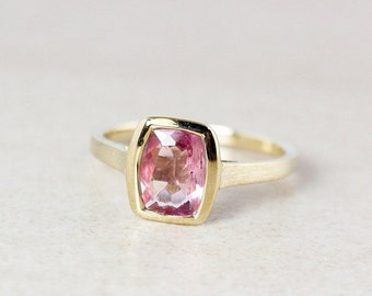 CHRISTMAS SALE Pink Tourmaline Ring - Rectangular - Bezel Set - 10Kt Gold