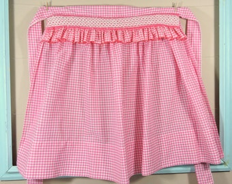 Vintage Pink Gingham Apron / Gingham Vintage Apron / Pink and White Apron