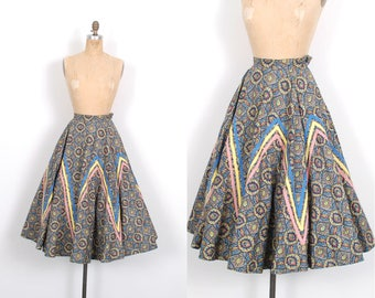Vintage 1950s Skirt / 50s Printed Cotton Circle Skirt / Blue Yellow Pink ( large L )
