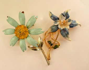 Adorable pair of enameled figural flower  brooches -  brooch by RAFAELIAN and Unsigned beauty - 2 pieces in pastel colors - art.997/2-