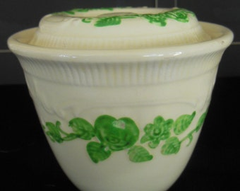 Vintage HLC Oven Serve Bean Pot, Green Flowers on Cream ground / Perfect condition.