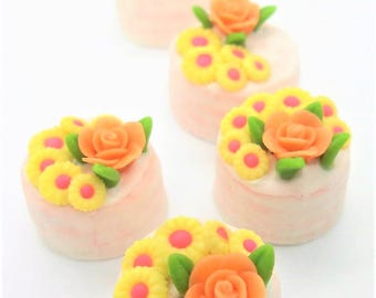 2 Miniature Polymer Clay Food Bakery for Dollhouse and Jewelry, 2.0 cm Mini Cake