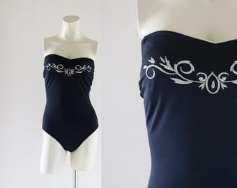 embroidered strapless on piece - m/l