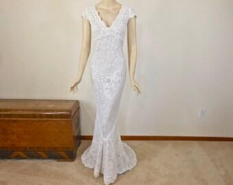 Crochet wedding Dress HANDMADE wedding dress White BOHEMIAN Wedding Dress Vintage Lace Wedding dress Cap Sleeves  Backless Sz Medium