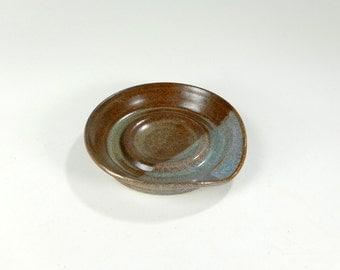 Ceramic spoon rest, pottery spoon holder dish, stoneware spoon rest, ceramic spoon holder, round spoon rest, ceramic kitchen spoon holder