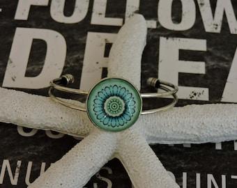 Cuff Bracelet, Daisy Wings Bracelet, Bohemian Jewelry, Boho Jewelry, Glass Bezel, Picture Bracelet, Glass Bracelet, Glass Jewelry