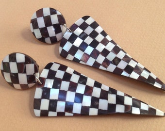 Large Checkerboard Black and White MOP Inlay Earrings – 1980s Clips