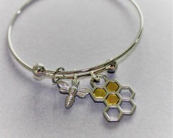 sentiment charm bangle, charm bracelet, bee happy bangle.