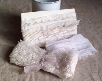 Vintage white laces white cotton + acetate 3pc broderie anglaise Vintage Wedding, Dolls & Bears, Home Furnishings