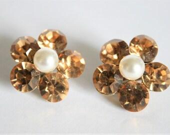 Vintage clip on earrings. Champagne crystal and pearl earrings. Vintage jewellery