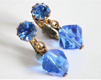 Vintage blue glass bead earrings.  Clip on earrings.  Vintage jewellery