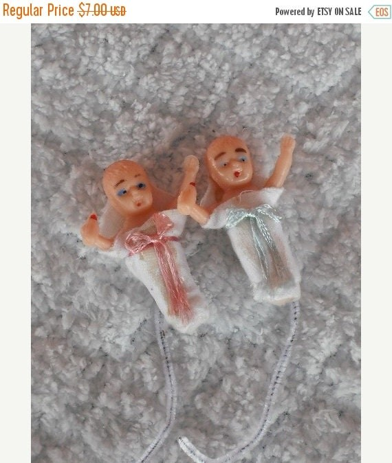 ON SALE Vintage Plastic Baby Corsage-Gift-Package-Picks