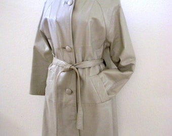 Vintage 1960s Gray Leather Coat - 60s Pale Gray Leather MOD Coat - Mad Men Leather Ladies Coat - Size Small to Medium estimated