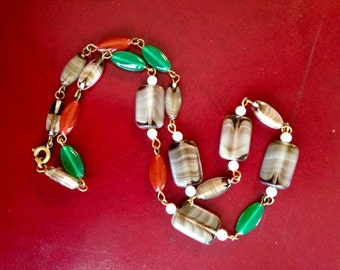 Gorgeous Antique Vintage Agate Glass Bead Necklace Red Green Glass Oval Bead Accents