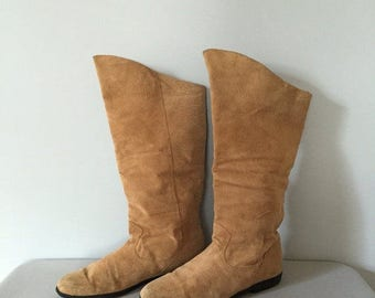 40% OFF SALE... slouch pirate boots | Jack Sprat 80s ochre brown suede boots | 8.5
