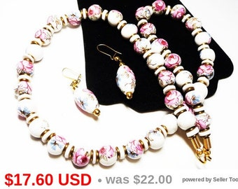 Pink Rose Bead Necklace & Earring Set - Demi Parure Vintage 1970s 1980s Retro Jewelry