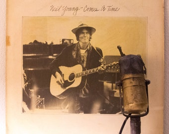 """Neil Young Vinyl Record LP 1970s Classic Rock """"Comes A Time"""" (Original 1978 Reprise Records MSK 2266, """"Lotta Love"""",""""Look Out for My Love"""")"""