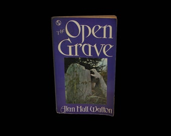 Vintage Paperback. 1969 First Edition. The Open Grave, by Alan Hull Watton. Occult. Ghosts. Story Collection. Book.