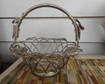 Vintage Silverplate Godinger Wire Weave Basket Grapes & Vines. Folding Handle Silver plated Mid Century Fruit Nut Basket Great for Christmas