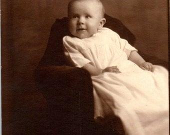 Vintage Photo - Baby Smiles - Vernacular, Found Photos (A)