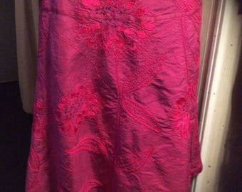 25% Off Sale Vintage Liz Claiborne embroidered 100 Percent silk skirt