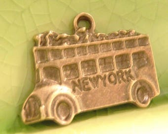 10 bronze bus charms pendants double decker New York tourist tour city NYC vacation summer open air 23mm x 17mm - C0441-10