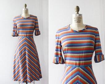 Stripe Dress M • 70s Dress • Chevron Dress • Knit Dress • Short Sleeve Dress • Knee Length Dress • Flare Dress | D1233