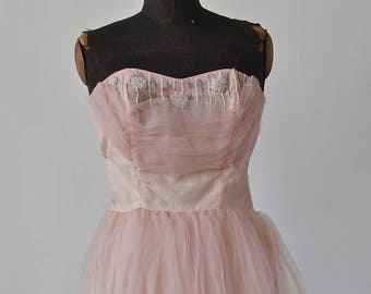 Pink 1950's Dress Strapless Formal Tulle Prom Ballgown Wedding Shelf Bust 25 inch waist