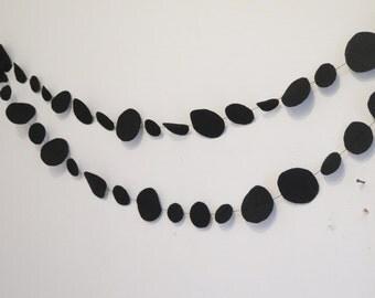 Circles bunting , black garland , circles garland , black circles banner , black circles garland , black kids room , felt garland