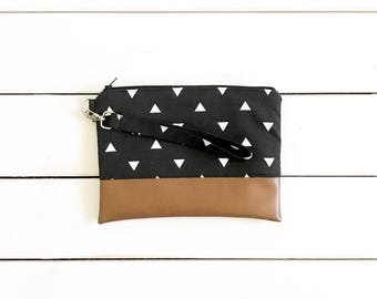 STRIPES COLLECTION - Black Triangle Mommy Clutch - Wallet Clutch - Small handbag - Black Wristlet - Wallet Clutch - Graphic Print Trianglew