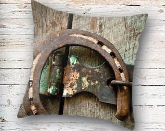 Horseshoe Pillow Cover, Rustic Pillow Cover, Rustic Decor, Western Decor, Cabin Decor, Cottage Decor, Pillow Case, Farmhouse Decor