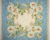 Floral Table Topper, Daisy, Summer, fabric from Maywood, handmade