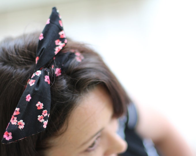 Headband Black with Japanese Cherry Flowers Dolly Bow Wire Headband Rockabilly Pin Up Hair Flexible Bendable Accessory for Teens Women Girls