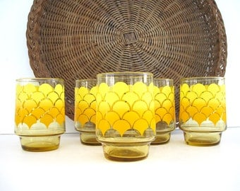 Vintage Stacking Tumblers Glass Set Wide Drinking Glasses Yellow Ombre Honeycomb Scale Pattern Cocktail Barware