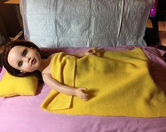 Bright yellow Fleece bedding set for 18 inch dolls - agfb23