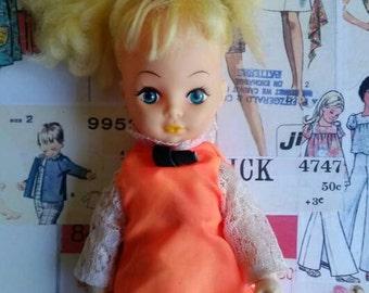 Lonely Lisa clone Vintage kitsch cats eye make up 1960s doll original mod dress